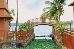 Grand Ayur Island-entry-to-lake