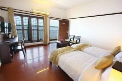 Grand Ayur Island-bed-room-lake-view