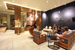 lobby-woodnote-hotel