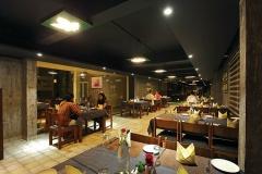 restaurant-woodnote-thekkady