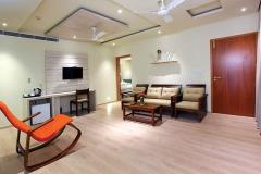 woodnote-hotel-thekkady-living